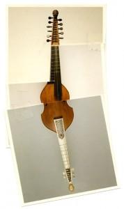 instrument de musique modifié, art syncrétique 1964, ciste croisé baryton, croisé viole de gambe, remake 2001